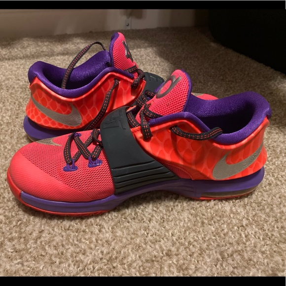 Kevin Durant Nike Sneakers Size 4Y